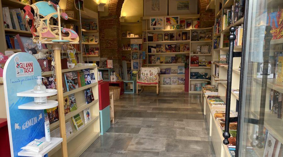 La libraia che sussurra libri ai bambini