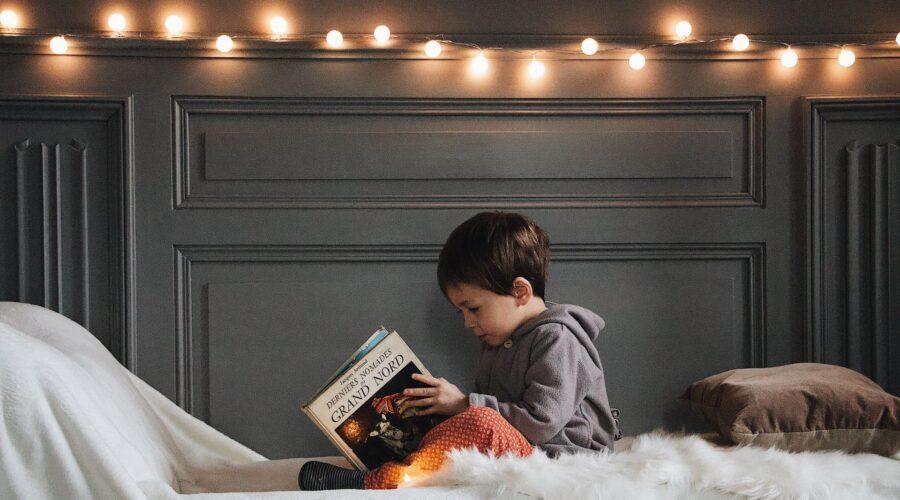 Il libro sospeso: l'iniziativa della Caritas per un regalo diverso e un Natale più felice